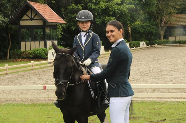 Valentina Toledo com Teco concorre ao título brasileiro na categoria Pôneis (Carola May)