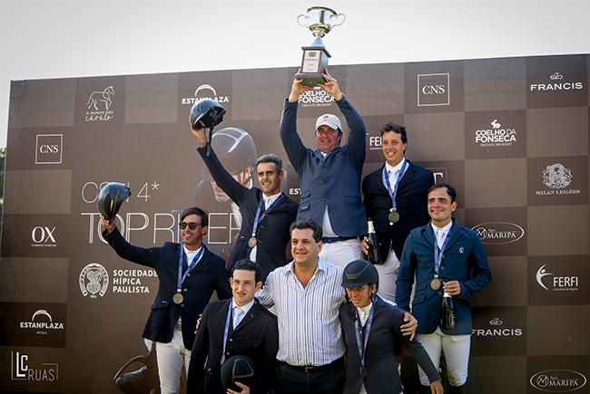 José Reynoso, campeão do ranking senior top, ao lado do vencedores do GP e de Ronaldo Bittencourt, presidente da CBH